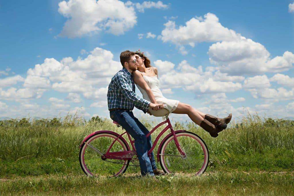 verliebtes Paar: Worauf Frauen stehen