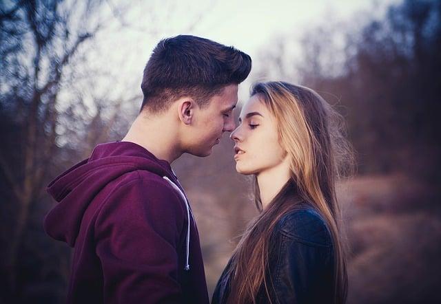 Gut Küssen Annäherung